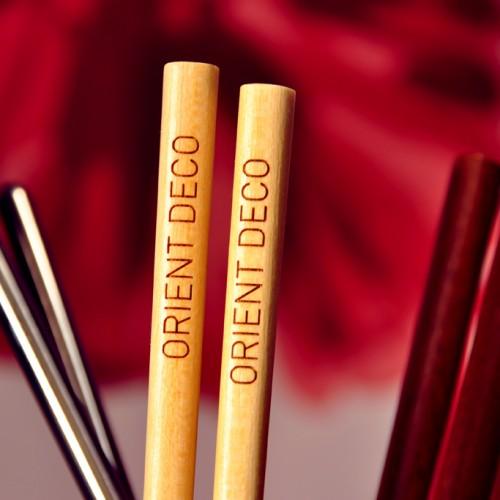 Orientalne upominki reklamowe – personalizowane pałeczki do sushi